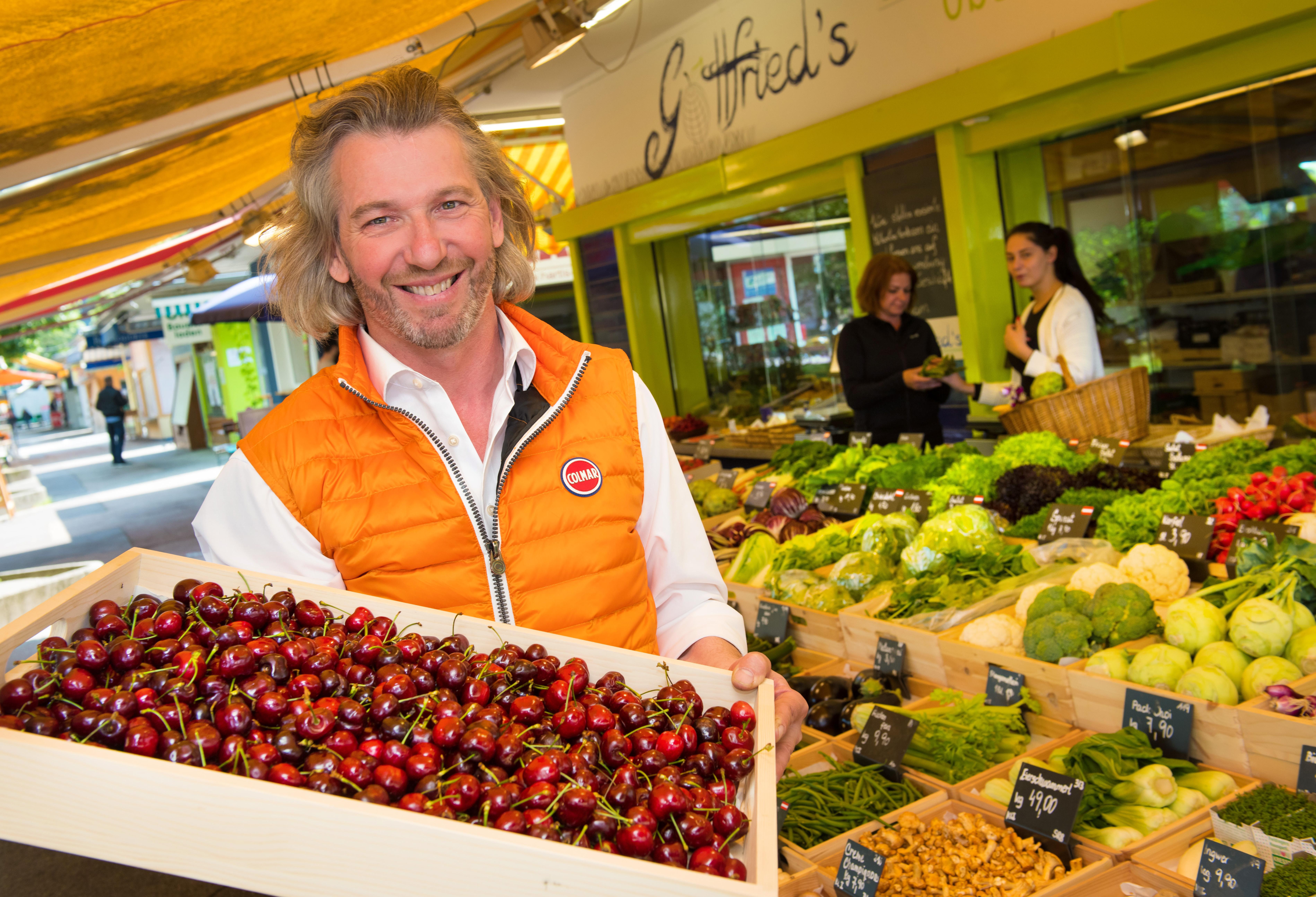 Gottfried Priklbauer am Südbahnhof Markt
